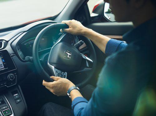 新型CR-Vハイブリッド車とガソリン車の比較まとめ